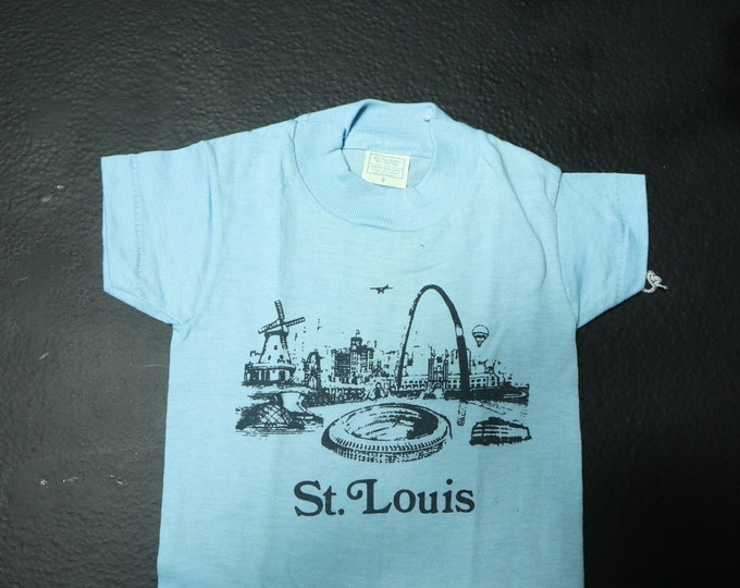 St. Louis cityscape 1990's vintage vacation Tshirt