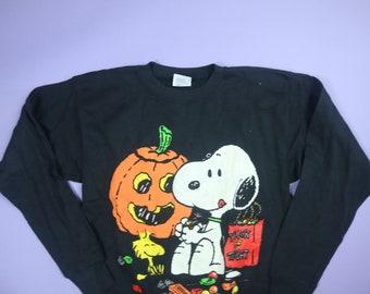 Snoopy Woodstock Halloween Candy Peanuts 1990's Vintage Sweatshirt