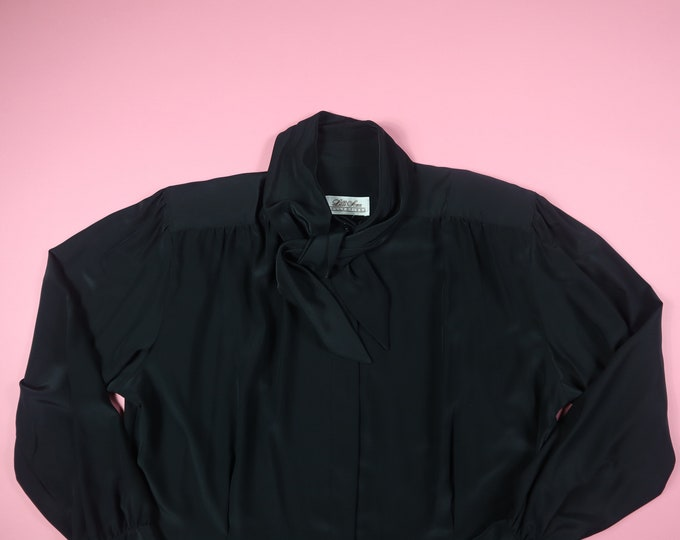 Lilli Ann Collections Pussy Bow 1980's Vintage Blouse