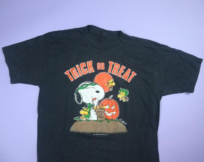 Snoopy & Woodstock Trick Or Treat Halloween Peanuts 1990's Vintage Tshirt
