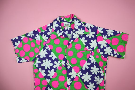 Pink Floral Hawaiian 1970's Vintage Button Up Shir