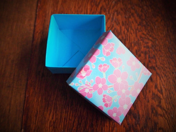 Blue and pink cherry blossom origami gift box with lidfor | Etsy