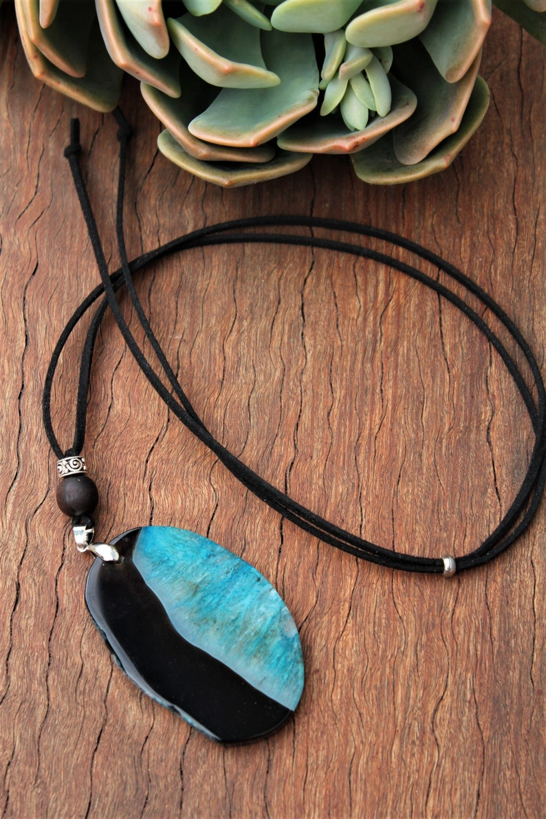 Adjustable suede aromatherapy diffuser necklace with Genuine Natural Blue /& Black Onyx Geode Agate freeform pendant Free domestic shipping