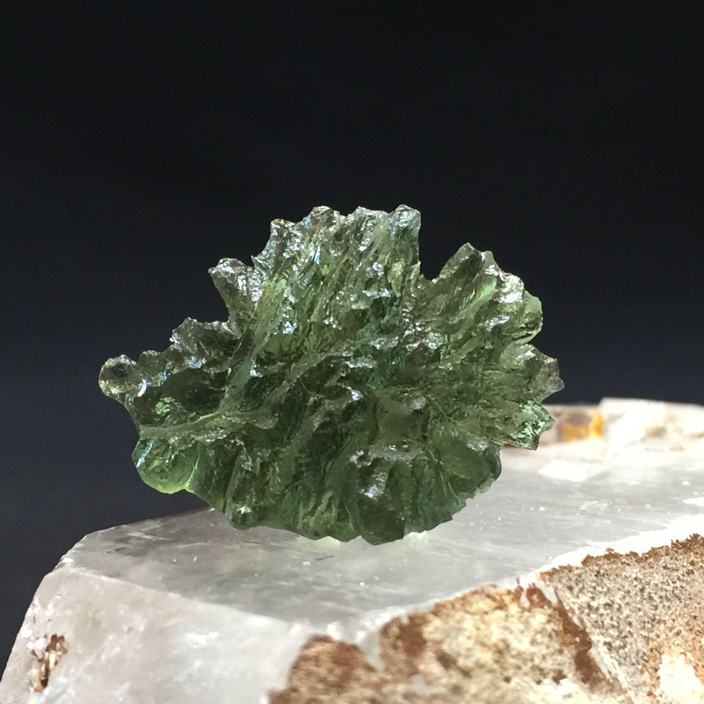 A Besdenice Moldavite Beauty, 20mm 20mm 20mm x 25mm x 8mm (1-44) 34eb3a