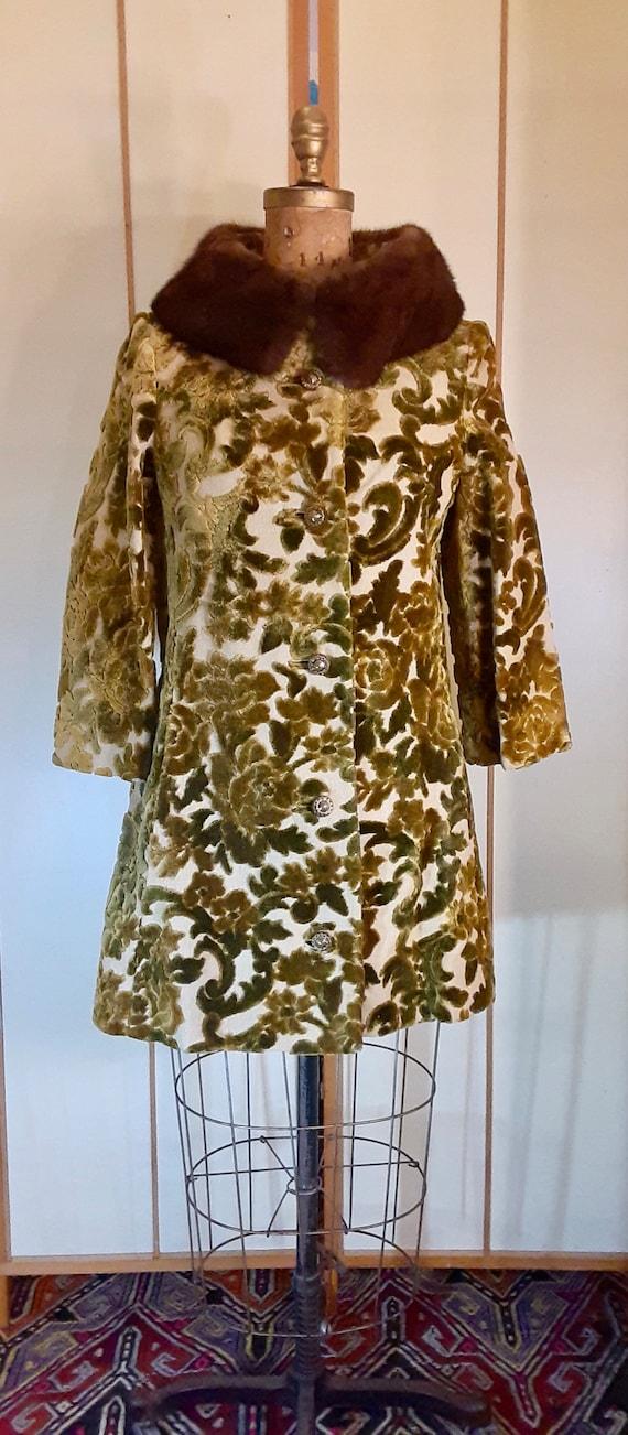 Vintage Women's Coat- 60s Heavy Velvet Floral Gree