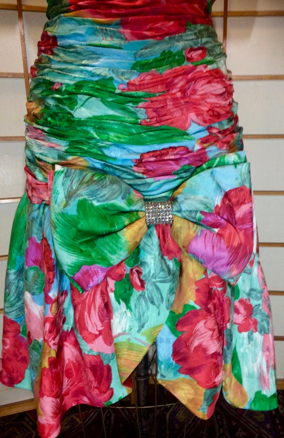 80s Does 40s Glam Ruched Floral Spring Drop Waist… - image 7