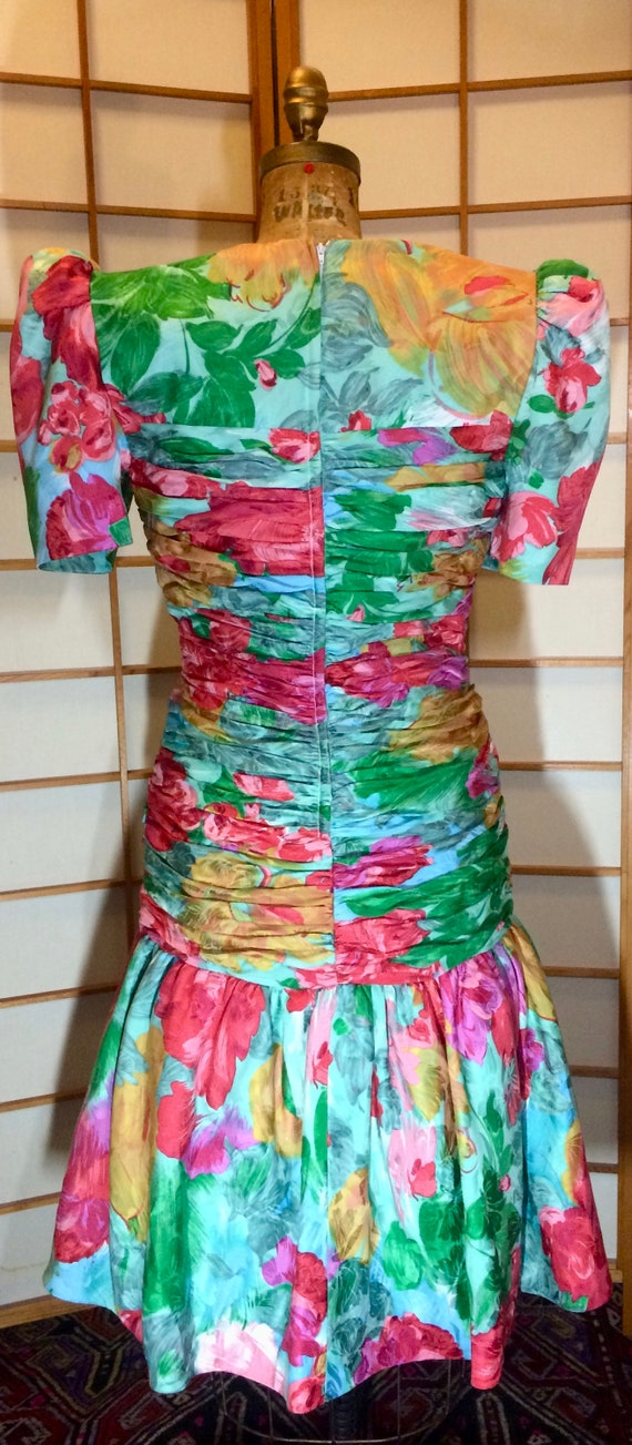 80s Does 40s Glam Ruched Floral Spring Drop Waist… - image 4