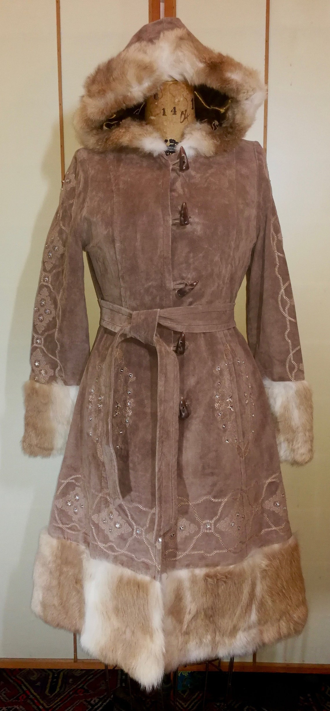 Suede Fur Penny Lane Afghan Hooded Ombre Coat Embroidered Almost Famous Boho Russian Princess Fit And Flare Cut Small Petite