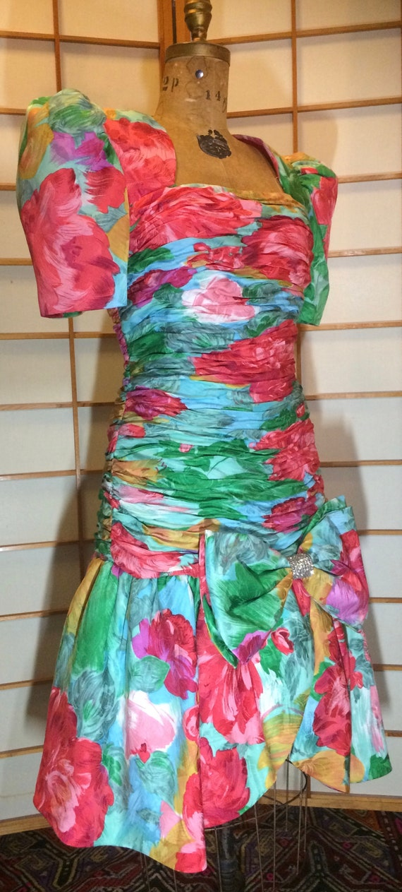 80s Does 40s Glam Ruched Floral Spring Drop Waist… - image 6