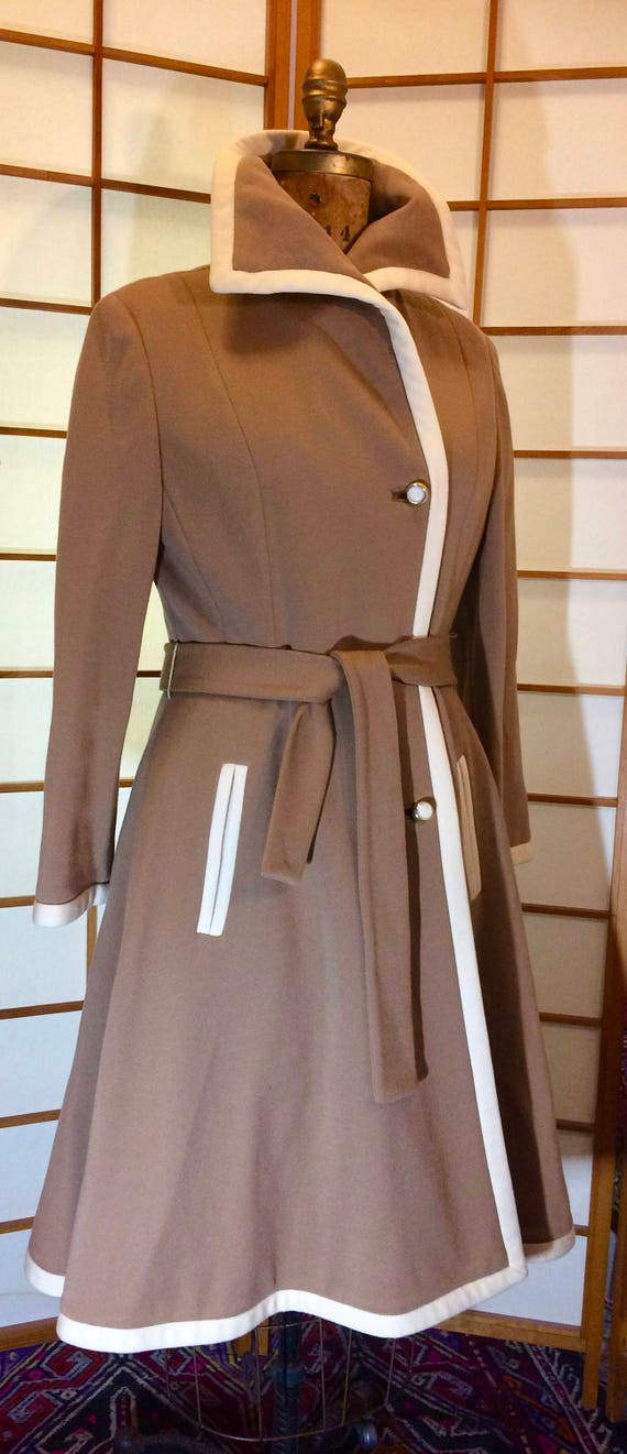 Vintage 1960s Lilli Ann Beige Classic Wool Knit Dr
