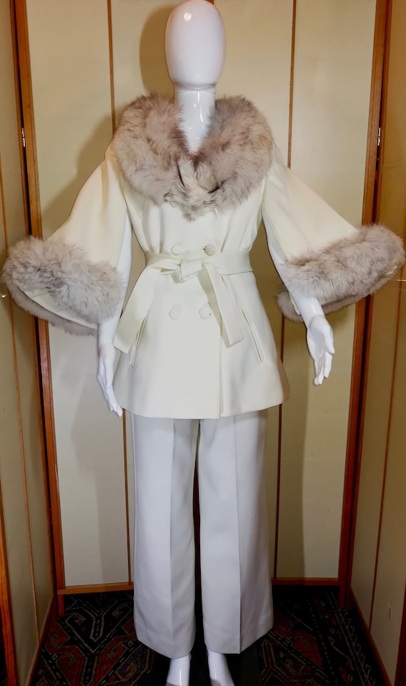 60 Mod White Lilli Ann Pant Suit Set Cape Sleeve S