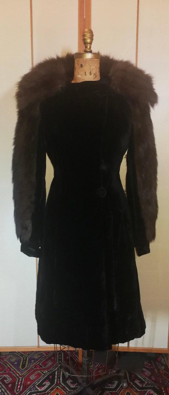 """30s Film Noir Velvet Fur Sleeve """"Hattie Carnegie"""""""