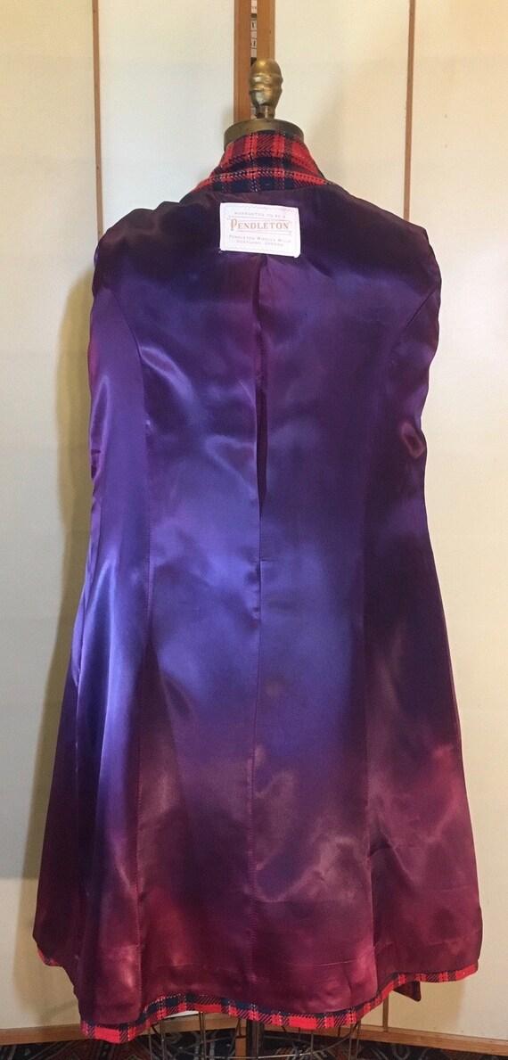 Women's Vintage coat- Plaid Pendleton Wool Red Fi… - image 9
