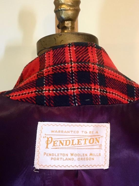 Women's Vintage coat- Plaid Pendleton Wool Red Fi… - image 10
