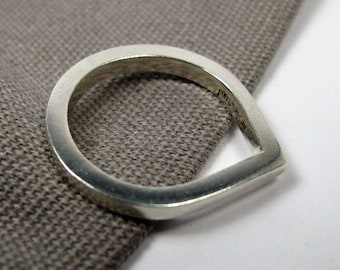 Chunky silver teardrop statement ring