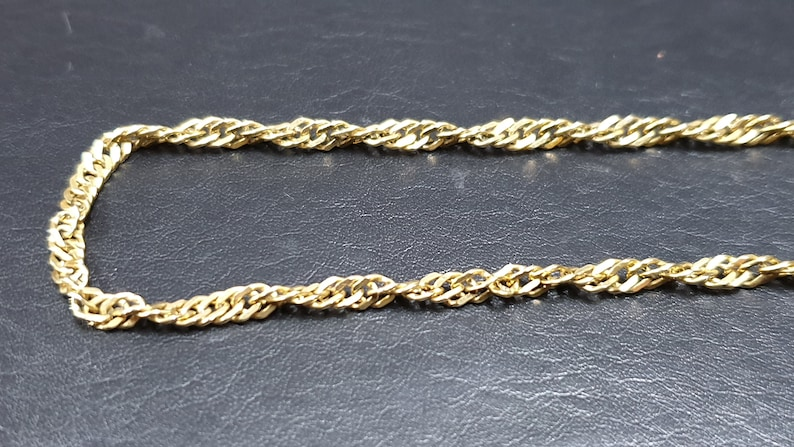d3ef8e67e9b21 Vintage 9ct Yellow Gold Twisted Curb Link 20 Inch Necklace (9.2g)