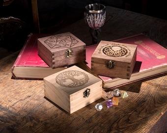 Small Dice Box, Game Dice Box, RPG Dice Box, Vampire Masquarade, Call of Cthulhu, D20 dice box, Gamer Gift, Table Top Games, Geek Gift,
