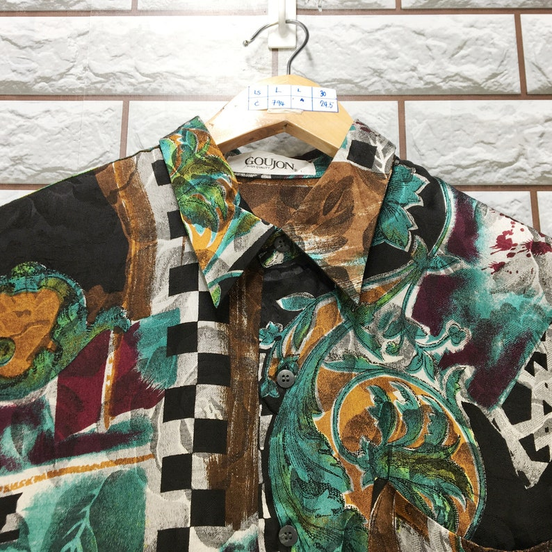 Vintage 90s Abstrack Artwork Royalty Classic Novelty Baroque Psychedelic Luxury Buttondown Shirt Rayon Size L
