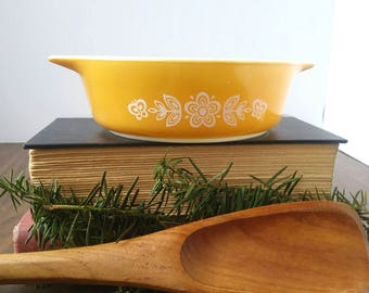 Vintage Pyrex . Pyrex casserole dish . butterfly gold Pyrex . retro cookware/bakeware . yellow Pyrex . happy kitchen . yellow planter