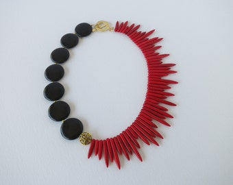 black and red necklace, red and black necklace, black statement necklace, red statement necklace, gemstone statement necklace,  bib necklace
