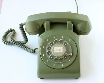 Vintage green rotary phone Classic desk phone Old telephone Retro dial phone 70's 80's Retro home decor vintage photo movie prop