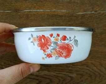 Vintage enamel bowl with retro flower print Small white enamel dish Enamelware planter bowl Retro kitchen Cottage decor Farmhouse Country