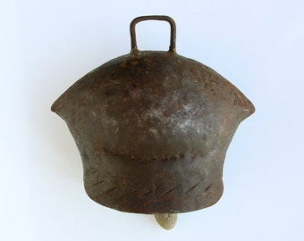 Vintage Large Cow Bell Iron animal bell Old Primitive sheep goat bell Rustic Farmhouse cottage cabin decor Barn farm country collectible
