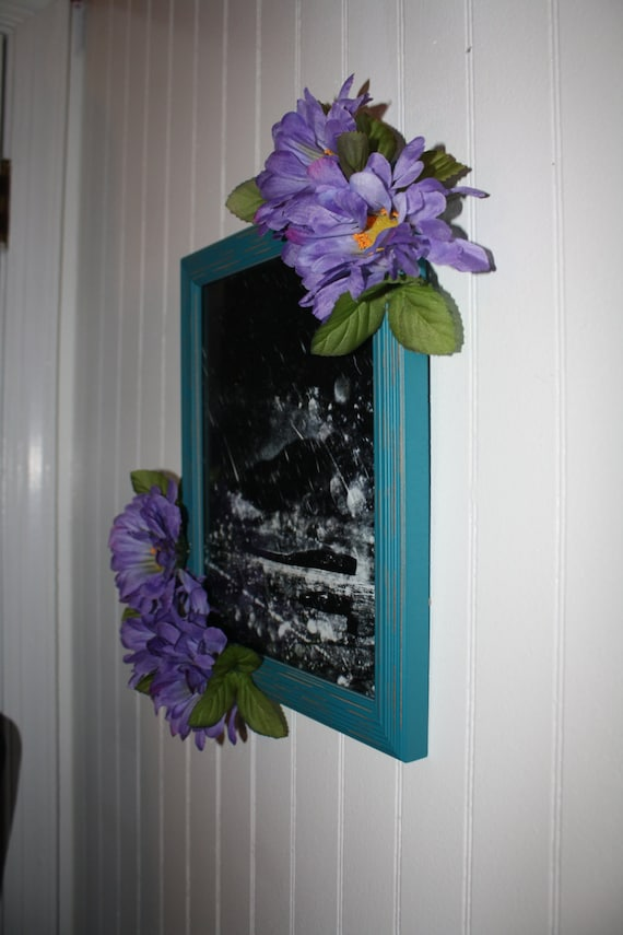 Frame and white hand painted measures 11 x 12.25 x 34 blues wood holds 5 x 7 photo daisies in purples