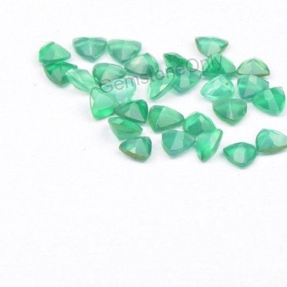 Wholesale Lot of 6mm Trillion Cut Natural Green Onyx Loose Calibrated Gemstone