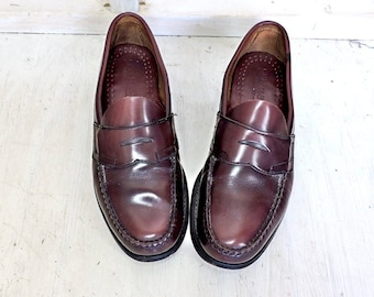 3a7a46946a2 Vintage G H Bass loafers Mens 9 D   Weejuns penny loafers   Oxblood leather  loafers