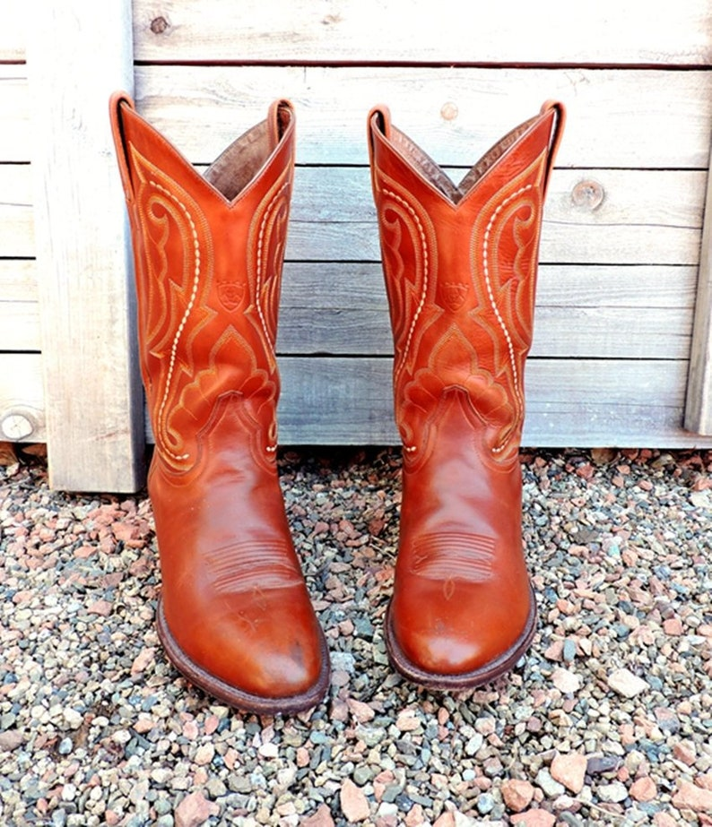 e262b48ed16 Mens Ariat Cowboy boots 10.5 D / Vintage rustic brown tooled leather  western boots