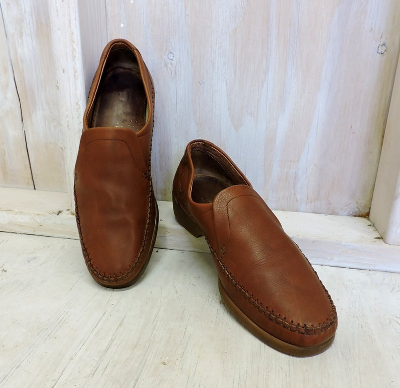 55d9923ec53 Vintage Clarks mens Loafers   size 9.5   90s mens slip on