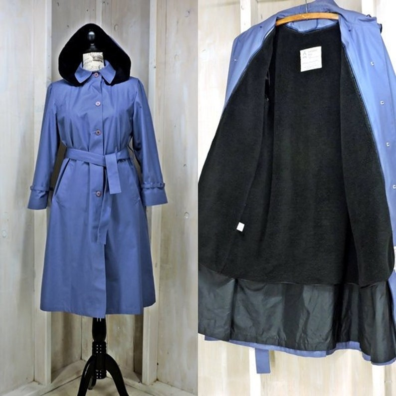400065840 Women's Trench coat size M / vintage 70s London Fog USA / blue hooded  raincoat / removable faux fur lining and hood