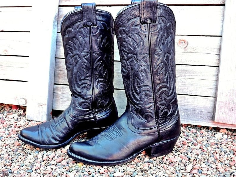 08d50349468 Vintage 70s Olathe Boots 7 D mens / black leather cowboy boots / Made in  USA / tooled leather western boots