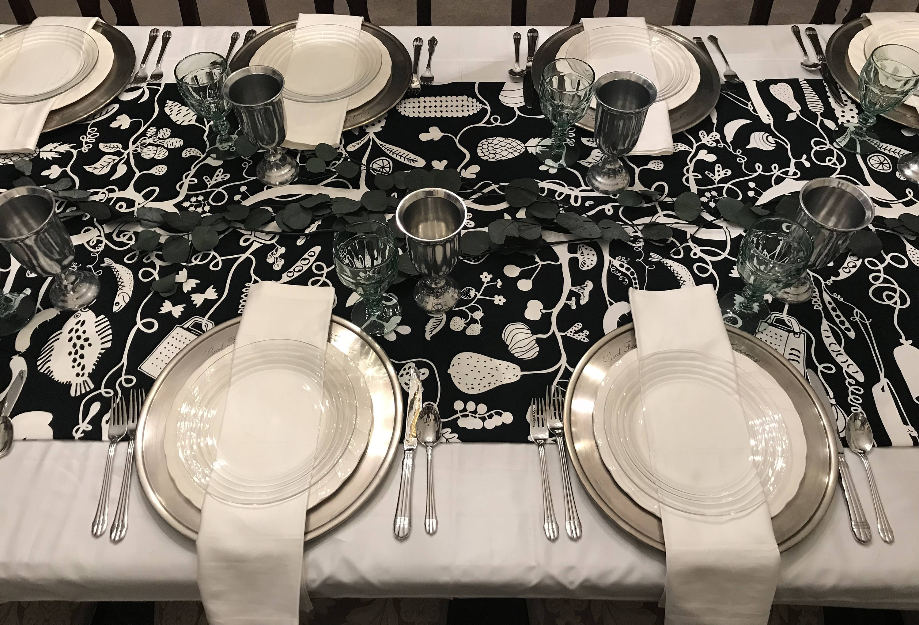 harvest black white table runner thanksgiving table linen interactive christmas linens coloring book table runner holiday tablecloth