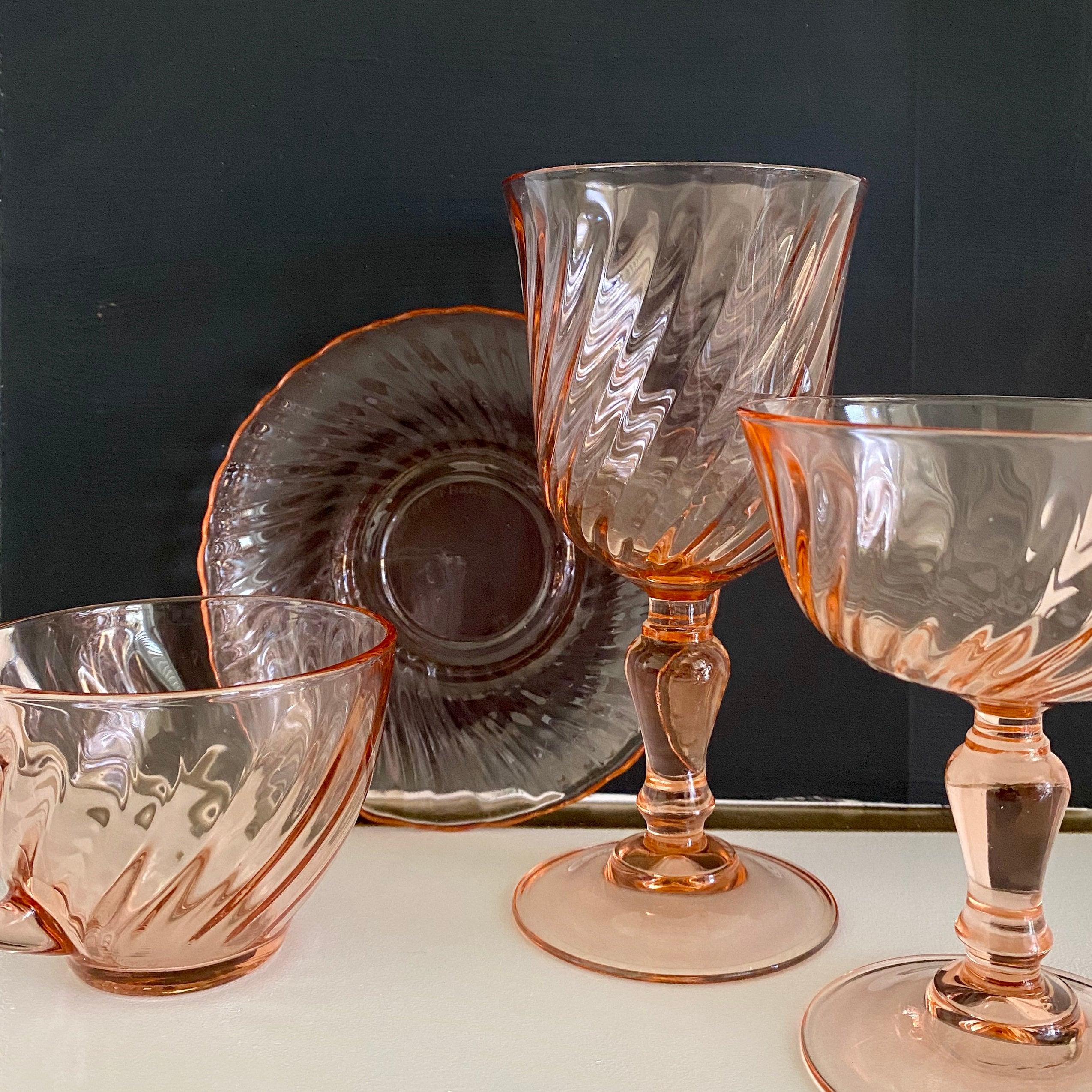 112301: ARCOROC PINK SWIRL GLASS STEMWARE & DISHES, 82 - Nov 15, 2009 |  DuMouchelles in MI