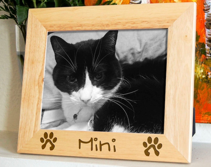 Personalized engraved frame, Custom photo frame, custom pets frame, engraved frames for cats, cat's lovers frame