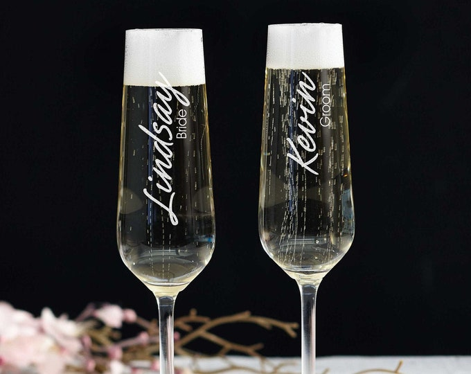 Personalized set of 2 Champagne Glass, Champagne flutes, Mr and Mrs Champagne glasses, Engraved Glass, Monogram Champagne Glass