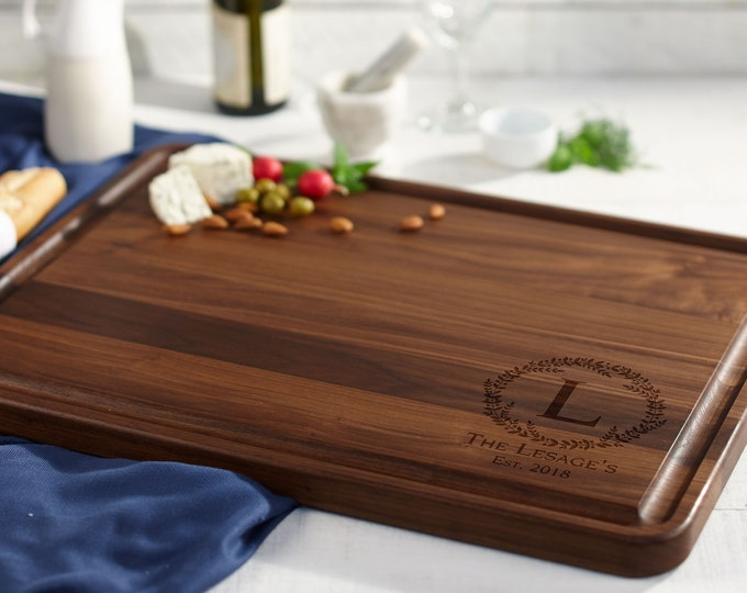 Walnut with Juice Groove, Personalized cutting board, Custom cutting board, Engraved cutting board, Wedding gifts,  Christmas gifts