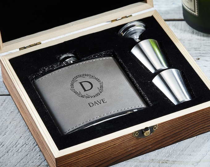 Personalized Flask, Personalized Flask Set with Shot Glasses , leatherette gift box with flask, Groomsman Gifts, Best man Gifts