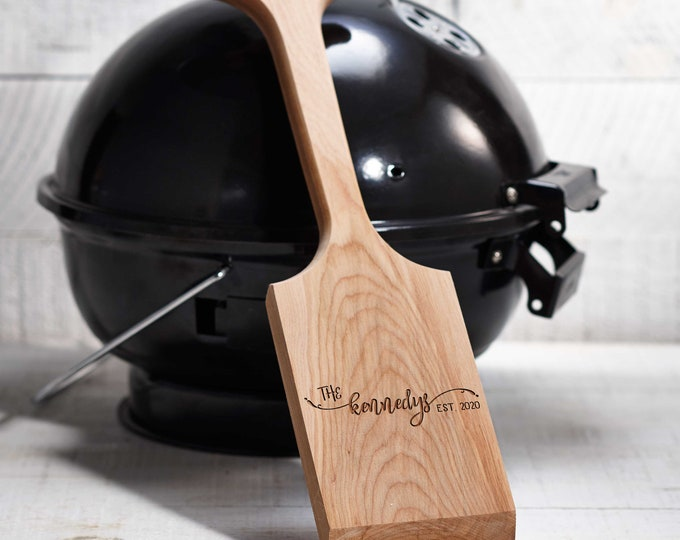 Personalized BBQ scarper, Engraved wooden grill cleaner, Grill Scraper, Father's day gift, Gift for him, BBQ lovers