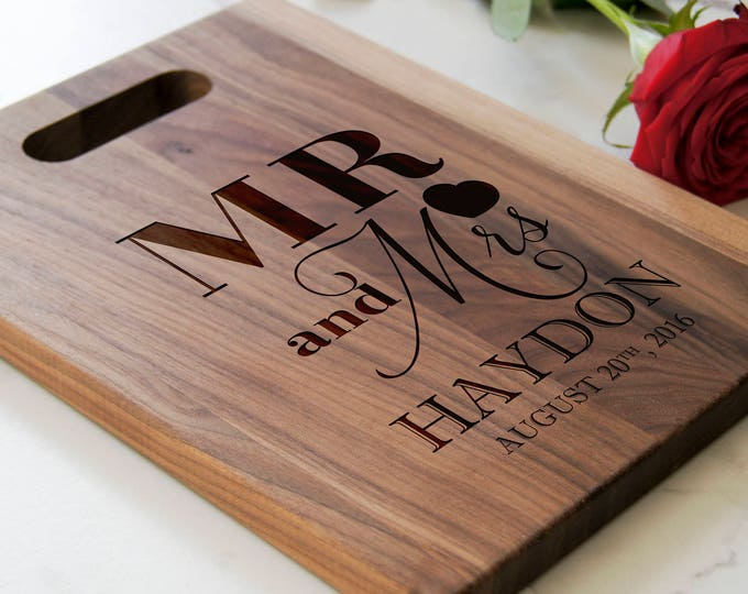 Personalized Cutting Board with handle, Engraved cutting board, housewarming gifts, wedding gift, Christmas gift