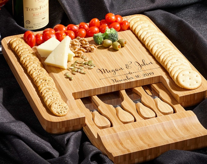Personalized cheese board set, Custom cheese board set, Engraved cutting board, Wedding gifts, Gifts for the couple, Christmas gifts