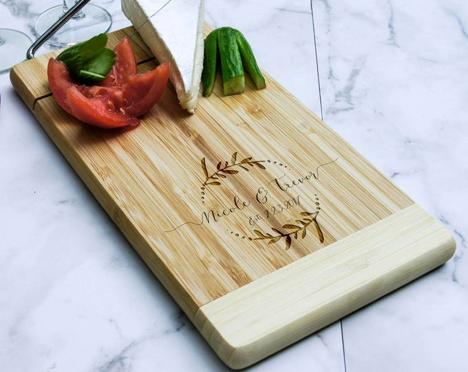 Personalized cheese board, Custom cheese board, Cheese cutter board, Engraved cutting board, Wedding gifts, Gifts for the couple