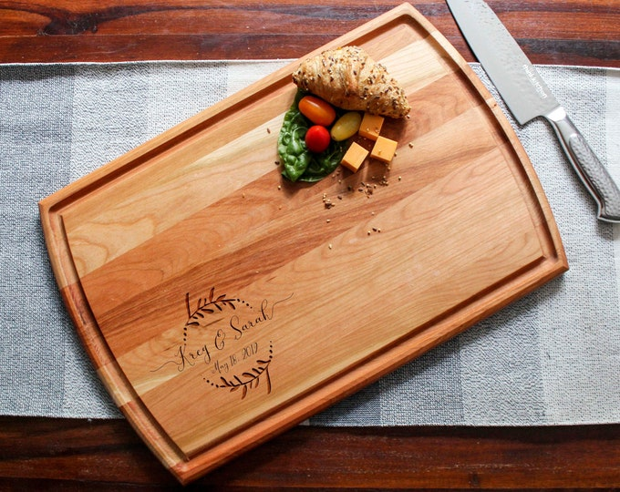 Personalized Cutting Board, boards with juice groove, Engraved cutting board, housewarming gifts, wedding gifts, Christmas gift