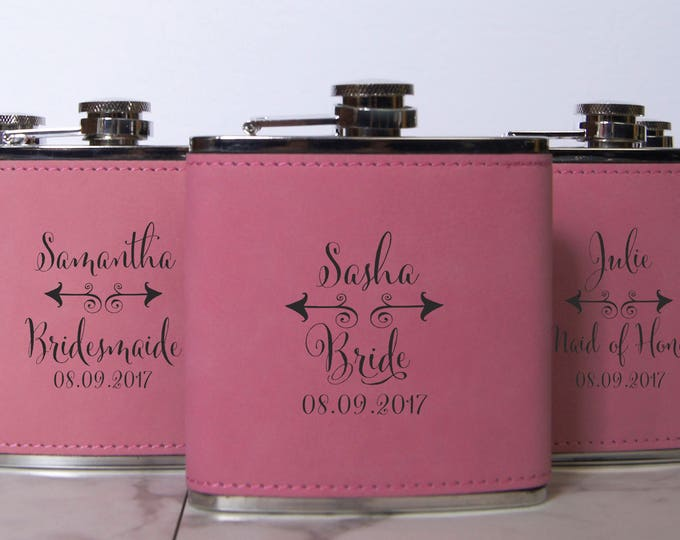 Personalized Set Of 8 Flasks, Bridesmaids Wedding Gift, Maid of honor Leather Flasks, Customized Wedding Flasks, Engraved Leatherette Flasks