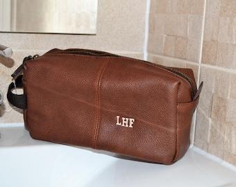 Personalised wash bag for men, best man gift, men's dopp kit, men's toiletry bag, wash bag, wedding favors, leather dopp kit, gift for him