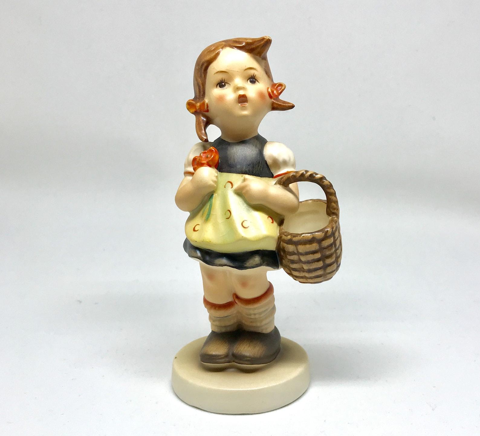 Hummel Figurine, Sister