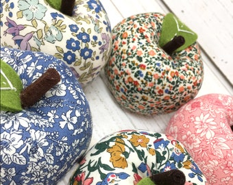 free shipping Liberty of London Fabric Apple Shaped Pincushion LINA06-04775601X