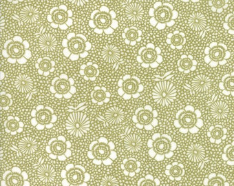 1/2 yd Oxford Floral Garden by Sweetwater for Moda Fabrics 5710 12